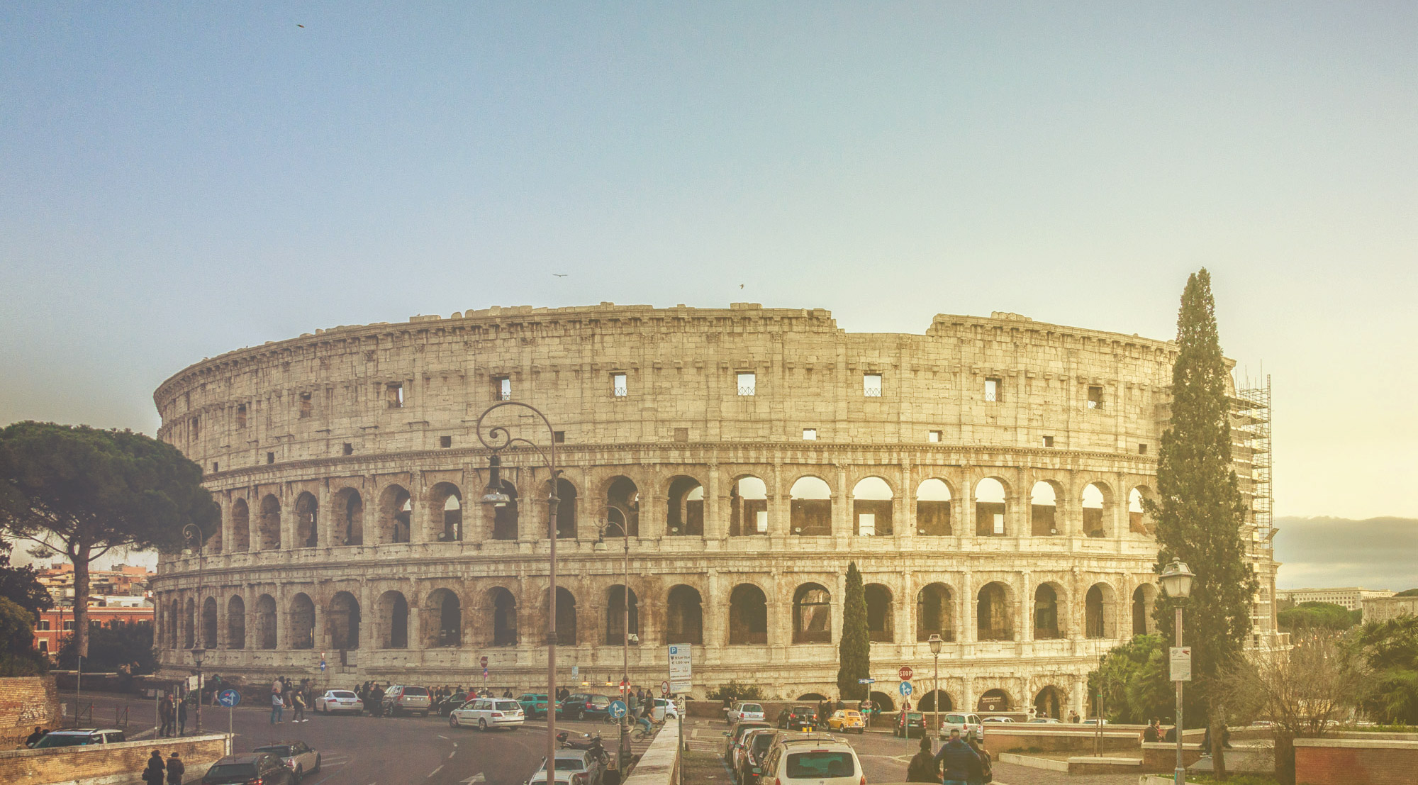 IMMERSE YOURSELF IN ANCIENT ROME