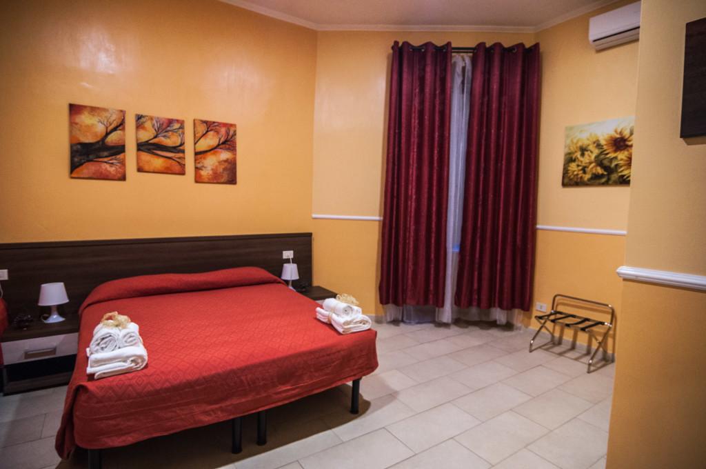 Hotel leone roma chambres for Reserve une chambre